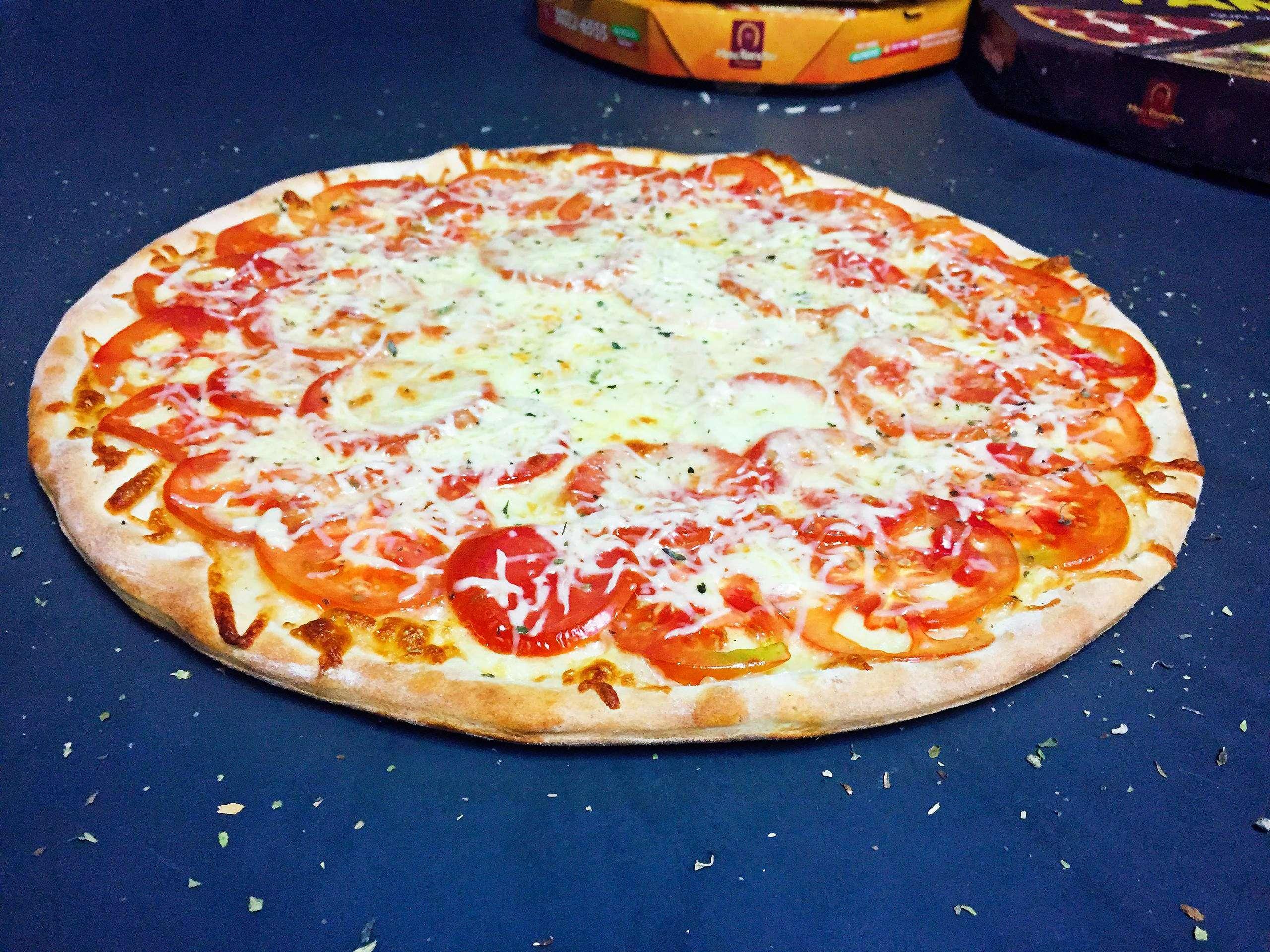 6 - Pizza Napolitana